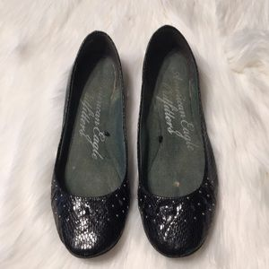 American Eagle Outfitters black flats Size 7